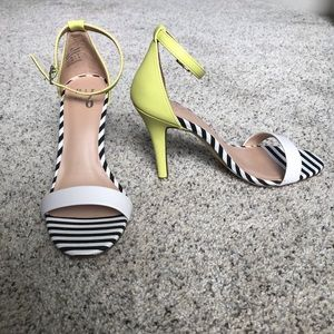 NEW WITH BOX - stripe contrast heels